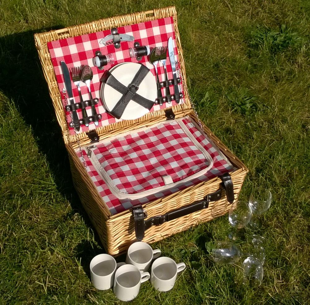 4 Person Picnic Basket Uk : E vintage gingham full wicker or person fitted