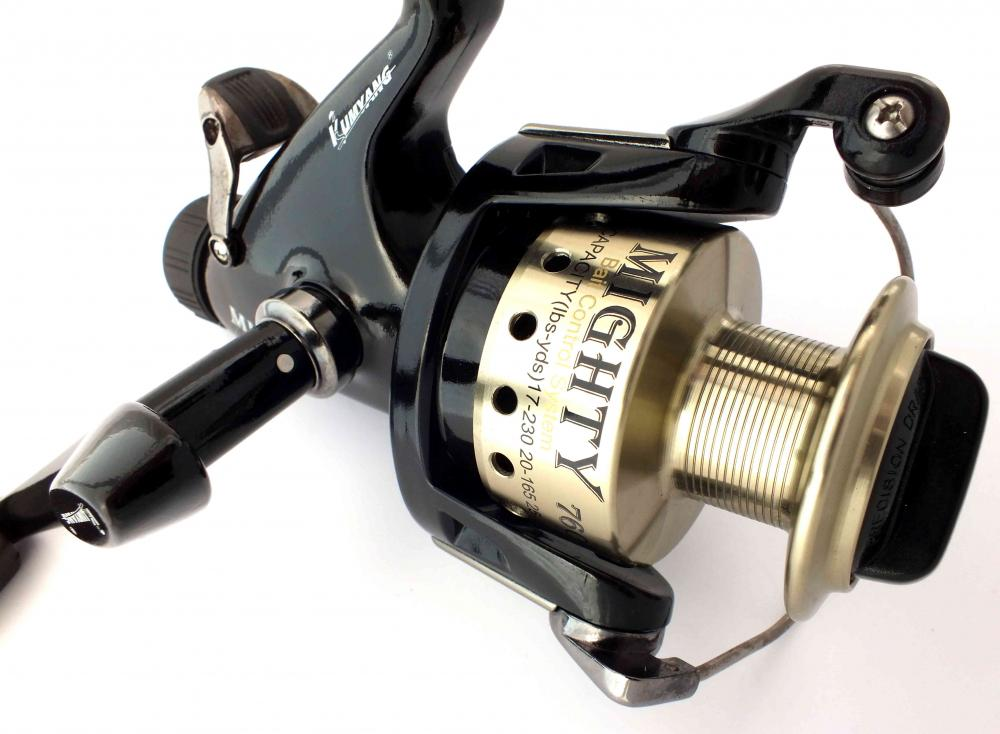 Kumyang mighty 760 baitfeeder fishing spinning reel 6000 for Fishing reel sizes